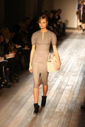 VB dresses Autumn/Winter 2013- collection Th_520068549_30_122_359lo