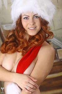 http://img286.imagevenue.com/loc371/th_531848212_silver_angels_Sandrinya_I_Christmas_1_135_123_371lo.jpg