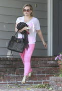 http://img286.imagevenue.com/loc420/th_372674680_Hilary_Duff_at_a_friends_house_in_Studio_City10_122_420lo.jpg