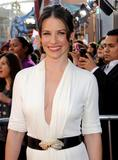 http://img286.imagevenue.com/loc465/th_46659_Evangeline_Lilly27_123_465lo.jpg
