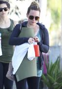 http://img286.imagevenue.com/loc474/th_533224222_Hilary_Duff_Going_To_Pilates_in_Studio_City17_122_474lo.jpg