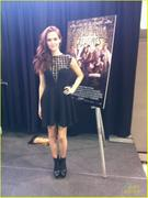 Zoey Deutch - Meet and Greet @ Mall of America 1/21/13