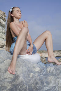 http://img286.imagevenue.com/loc567/th_019823511_tduid300163_SexArt_Kinida_Milena_D_high_0055_123_567lo.jpg