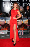 http://img286.imagevenue.com/loc573/th_376385904_AmyWillerton_olympus_has_fallen_uk_prem_029_122_573lo.jpg