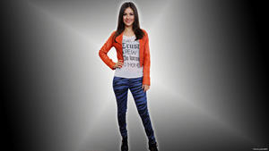 victoria Justice - HD Wallpaper made from latest Candid